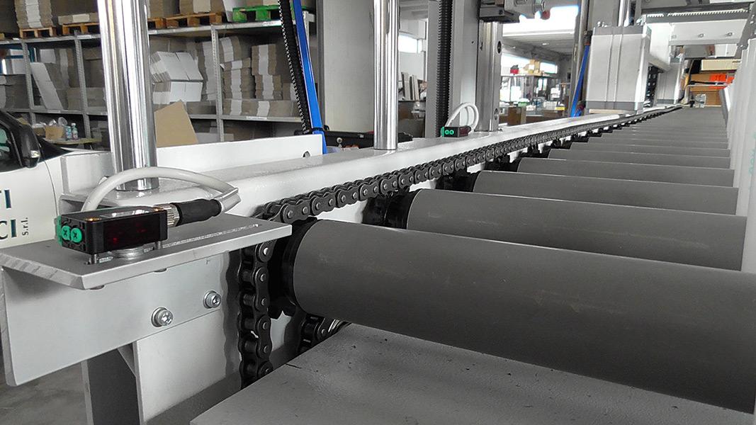 Caricatori robotizzati per pannelli